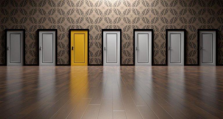 Drzwi na stare futryny Pabianice – metodą na zmianę we wnętrzach